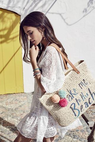 bolso de playa con borlas